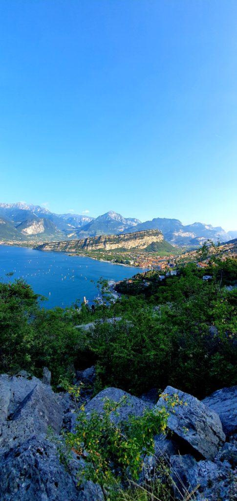 Widok na jezioro Garda.