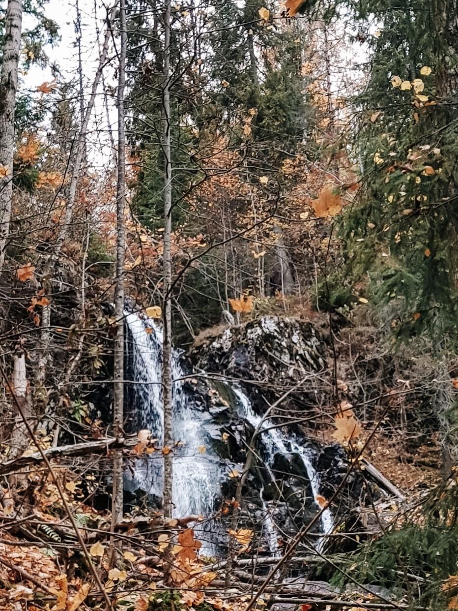 Wodospad niedaleko Asker.