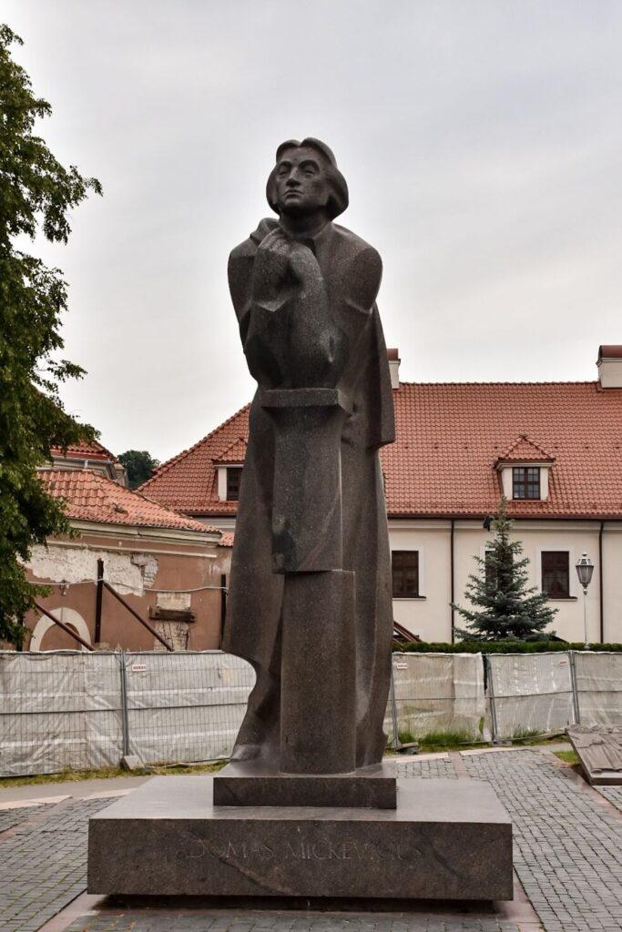 Pomnik Adama Mickiewicza, Wilno.
