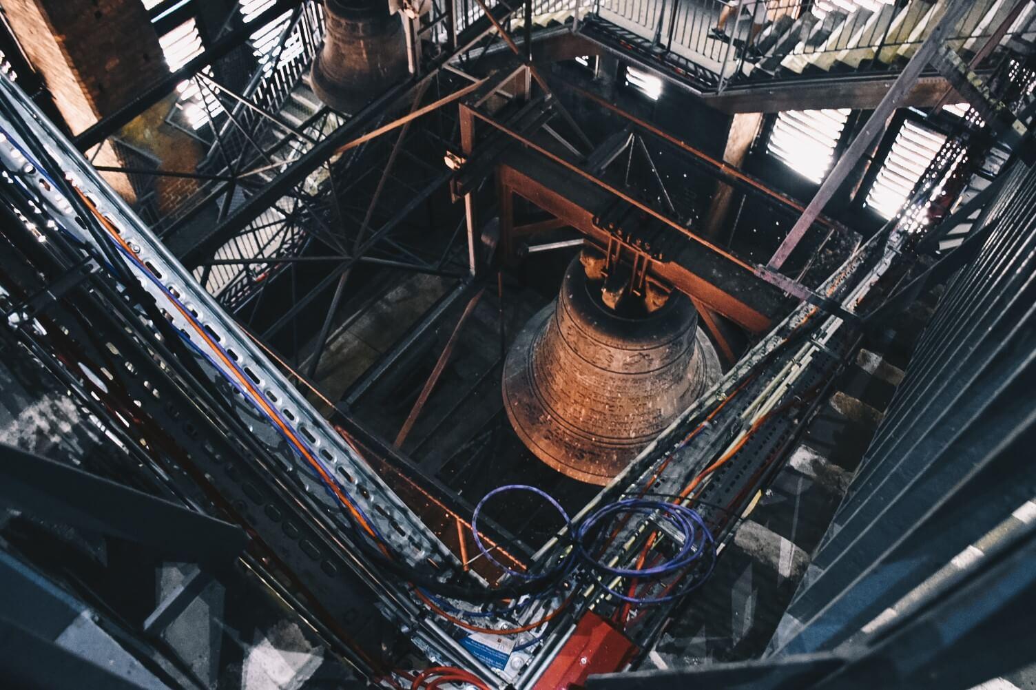 Dzwony we wnętrzu wieży Bazyliki Mariackiej w Gdańsku.