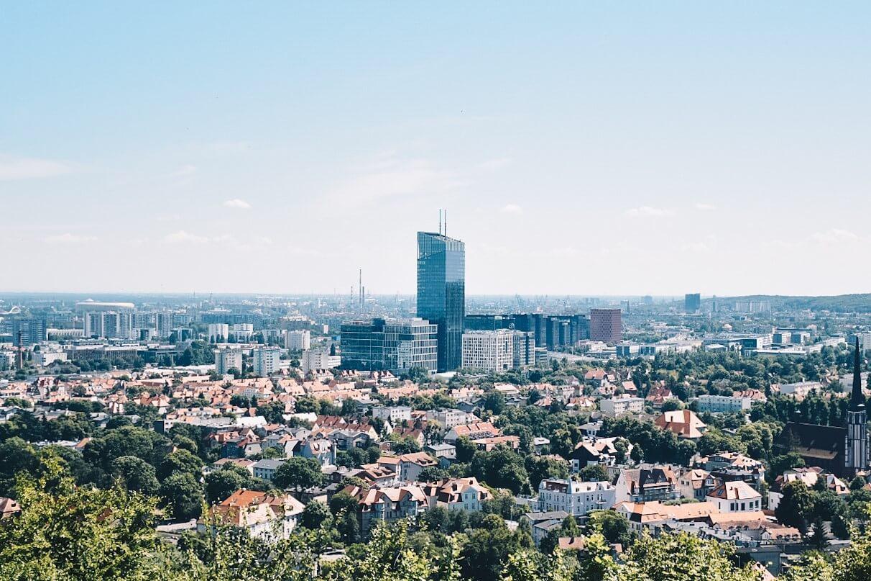 Gdańsk widziany z wieży widokowej na wzgórzu Pachołek.