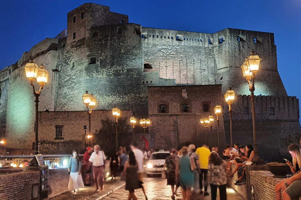 Neapol, Zamek Jajeczny,