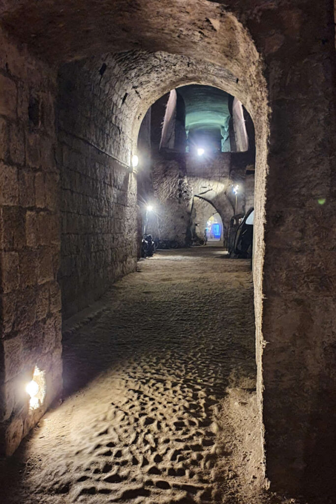 Tunele NEapolitańskie.